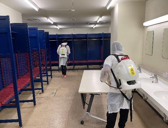コザしんきんスタジアムの消毒を実施いたしました