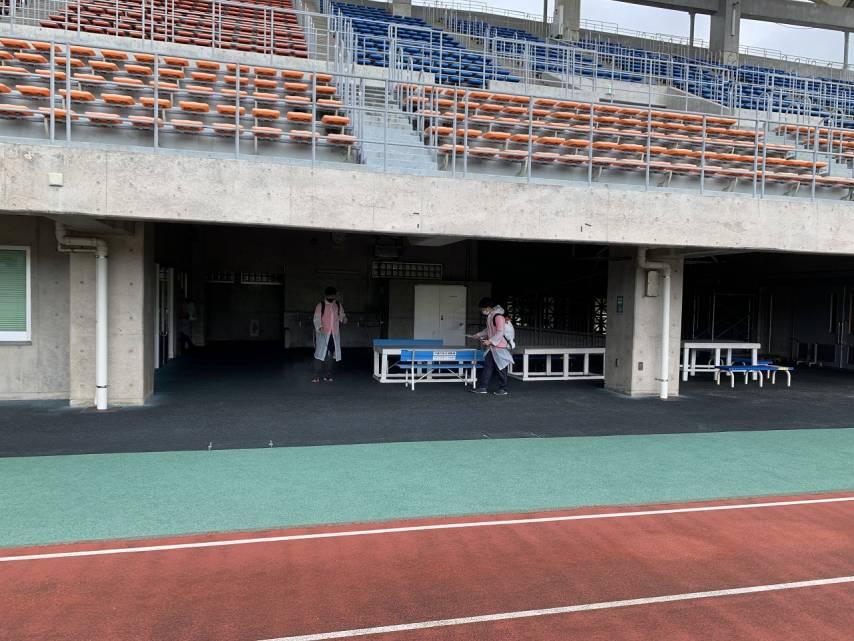 沖縄市陸上競技場の消毒を実施いたしました