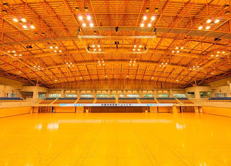 沖縄市体育館   運動施設案内   【公式】コザ運動公園